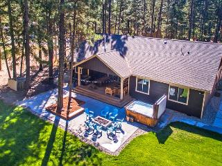 Tamarack Lodge - New!  4BR | Hot Tub | WiFi - Ronald vacation rentals