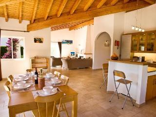 Nice 3 bedroom Villa in Aljezur with Internet Access - Aljezur vacation rentals
