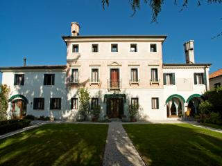 Nice Bed and Breakfast with Internet Access and Television - Casale sul Sile vacation rentals