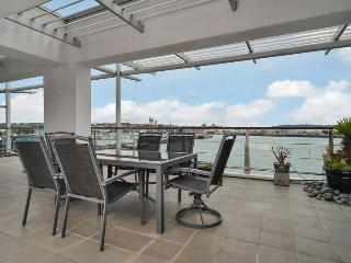 Large Luxury Waterfront Airconditioned Apartment on Princes Wharf with Views of the Sunset - Herne Bay vacation rentals