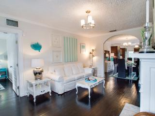 ★STUNNING DESIGNER VILLA ★ minutes to the beach ★ - West Palm Beach vacation rentals
