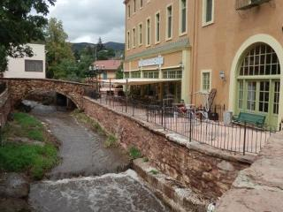 Charming Condo with Internet Access and Dishwasher - Manitou Springs vacation rentals