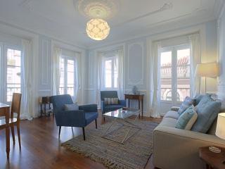 Bright 2 bedroom House in Lisbon - Lisbon vacation rentals