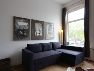 Stadhouderskade apartment in De Pijp Noord with WiFi & balkon. - Amsterdam vacation rentals