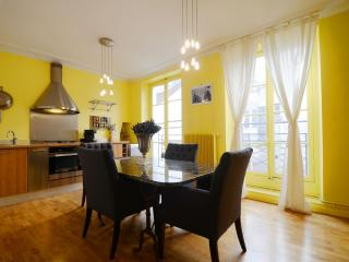 Charming House with Internet Access and Television - Paris vacation rentals
