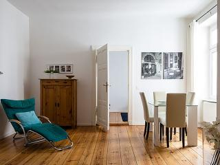 Matisse apartment in Mitte with WiFi. - Berlin vacation rentals
