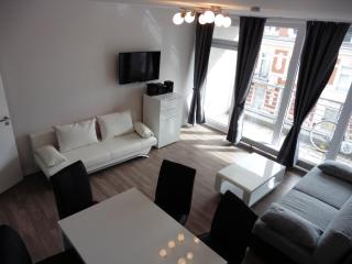 2 bedroom House with Internet Access in Berlin - Berlin vacation rentals