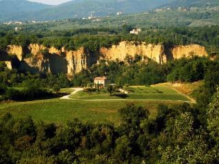 Nice Villa with Deck and Internet Access - Leccio vacation rentals