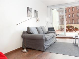 BWH Montjuïc I apartment in Sants with WiFi, airconditioning (warm / koud), balkon & lift. - Barcelona vacation rentals