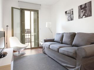 BWH Montjuïc IV apartment in Sants with WiFi, airconditioning (warm / koud) & lift. - Barcelona vacation rentals