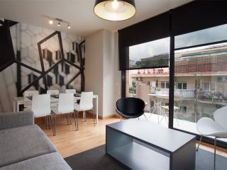 BWH Parc Güell 2 1 apartment in Carmel with WiFi, airconditioning (warm / koud), balkon & lift. - Barcelona vacation rentals