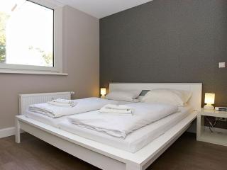 Cosy A 2.3 apartment in Kreuzberg with WiFi, gedeeld terras & lift. - Berlin vacation rentals