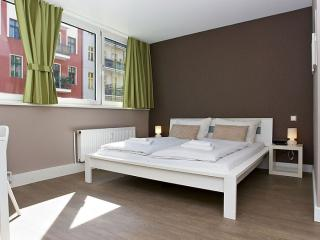 Bright House with Internet Access and Television - Berlin vacation rentals