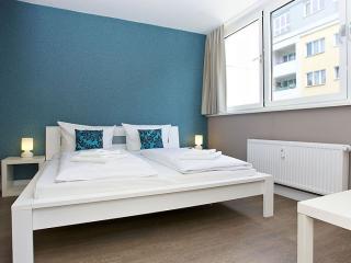 Gran Cosy B 3.1 apartment in Kreuzberg with WiFi, gedeeld terras & lift. - Berlin vacation rentals