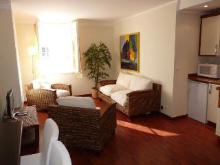Serbes Studio, Cannes Cozy Holiday Rental - Cannes vacation rentals