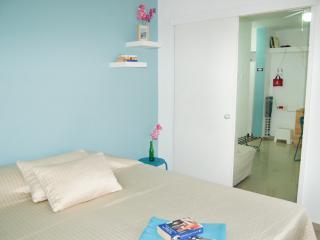 Beautiful B&B in Ashdod with Internet Access, sleeps 3 - Ashdod vacation rentals