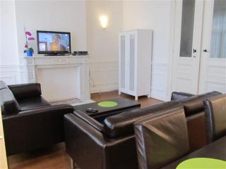 Spacious Antoine II apartment in Brussel centrum with WiFi & lift. - Brussels vacation rentals