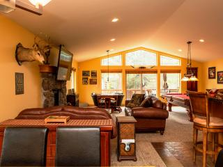 5-Star Luxury Cabin! Pool Table! Darts! Ping Pong! - South Lake Tahoe vacation rentals