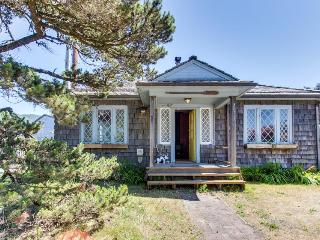 Bright, pet-friendly beach cabin awaits up to eight guests! - Rockaway Beach vacation rentals