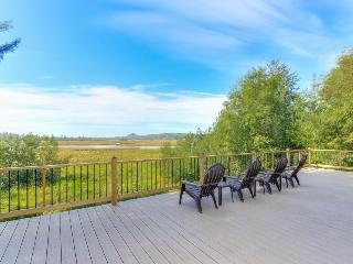 Enjoy fantastic Sandlake views from this waterfront home - dogs welcome! - Cloverdale vacation rentals