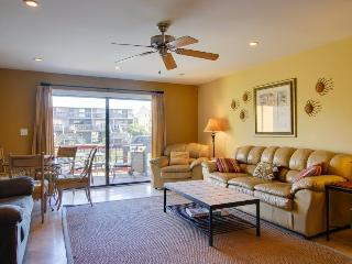 Family-friendly, two-story townhome just steps to a pond & Pensacola Beach! - Pensacola Beach vacation rentals