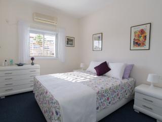 Ra'anana Bed and Breakfast - Ra'anana vacation rentals