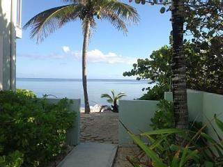 OCEANFRONT 3 BR 2 BATH VILLA ON PRIVATE, SANDY BEACH!! - Rum Point vacation rentals