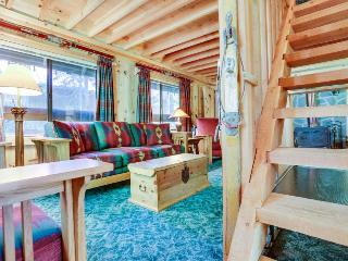 Charming Mt. Hood cabin - close to chairlifts, boutiques, shops, dining! - Government Camp vacation rentals