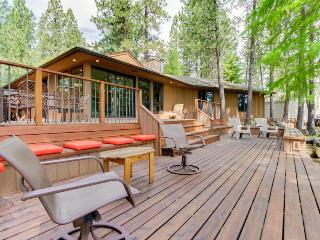 Resort amenities like a pool & hot tub with 3-tier decks & golf course views! - Black Butte Ranch vacation rentals