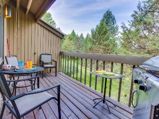 Mt. Bachelor condo with a private balcony & a shared pool, hot tub & tennis! - Bend vacation rentals