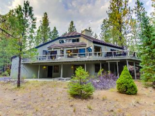 Secluded, dog-friendly home on 2.5 acres w/ shared pools, hot tubs, golf & more! - Black Butte Ranch vacation rentals