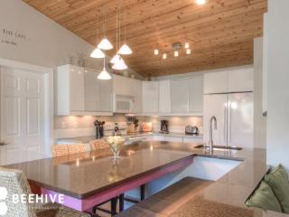 Exceptional Condo Near Town Center Hot Tub, Shuttle - Big Sky vacation rentals