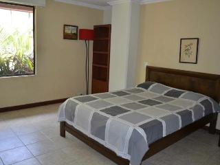Mt-301 Perfect 2 bedroom near LLeras. Poblado - Medellin vacation rentals