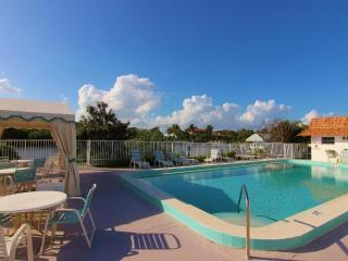1Br/1.5Ba Palm Beach Villas Condo - Palm Beach vacation rentals
