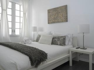 Stunning Two Bedroom Condo in the Heart of South Beach! Ready to Book! - Miami Beach vacation rentals