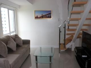 Fort Victoria 1005 - Two Bedroom Loft Apartment - Taguig City vacation rentals
