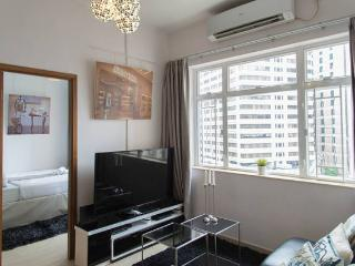 OASIS CAUSEWAY BAY! BUDGET HOME 3bed2bath MTR BIG SAFE CLEAN - Hong Kong vacation rentals