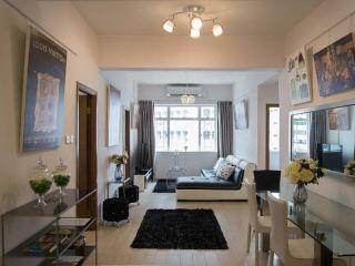 OASIS 88! LARGE DeLUXE SERVICED SUITE MTR TIMES SQ - Hong Kong vacation rentals