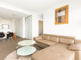 Harbour View 2br CBD apartment - Sydney vacation rentals