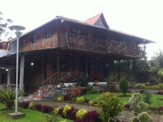 Nice Guest house with Garden and Short Breaks Allowed - Banos vacation rentals