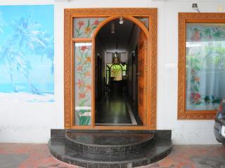 T. Nagar (Pondy Bazar), Krishna St., Classic Room - Chennai (Madras) vacation rentals