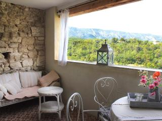 Gorgeous Menerbes Townhouse rental with Central Heating - Menerbes vacation rentals