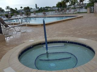 Perfect FL Getaway On The Cheap ! - Gorgeous 2 Bed - North Fort Myers vacation rentals