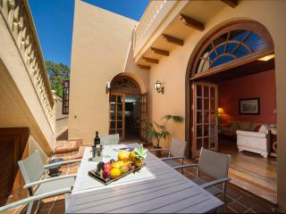LOS OLIVA TRADITIONAL HOUSE IN CANARIAN VILLAGE - Galdar vacation rentals