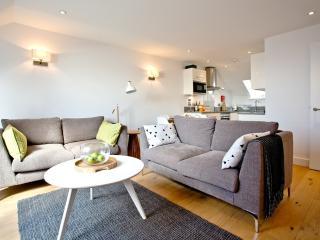 Apartment 2, Gara Rock located in East Portlemouth, Devon - East Portlemouth vacation rentals