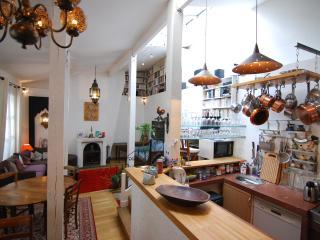 Sourire de Montmartre - 5 B&B Rooms - Paris vacation rentals