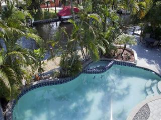 5BR Waterfront Retreat with Private Dock  near Las Olas - Sleeps 9 - Fort Lauderdale vacation rentals