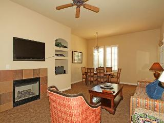 An Upstairs One Bedroom with a Private Balcony Overlooking the Lap Pool/BBQ - La Quinta vacation rentals
