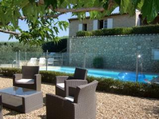 Baurie - Roussillon vacation rentals