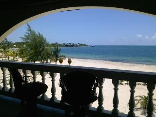 The White House in Placencia - Placencia vacation rentals